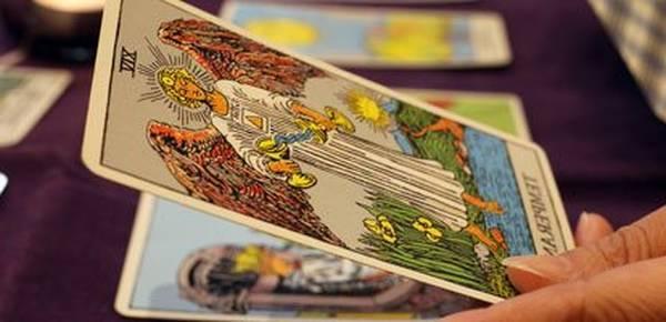 Horoscopo videncia tarot gratis : Rápido, claro y preciso