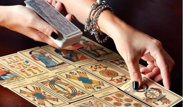 Consulta cartas tarot trabajo : Consulta con uno de nuestros expertos
